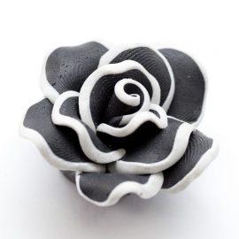 Velky-cierny-fimo-kvet