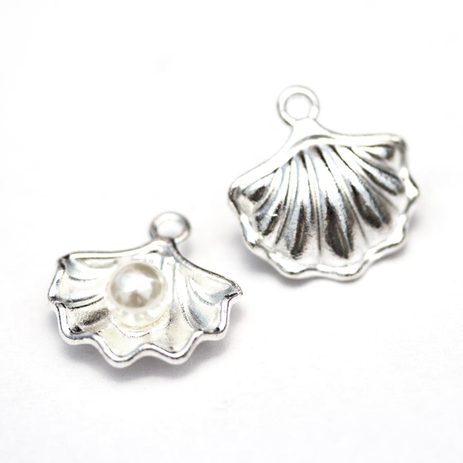 kovovy-privesok-musla-s perlou