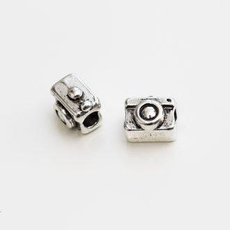 kovovy-fotoaparat-velky-prievlak
