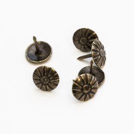 ozdobne-klince-bronz-vrubkovane-10x10mm