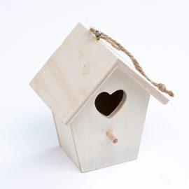 Domcek-dreveny-na-dotvorenie-domalovanie-maly