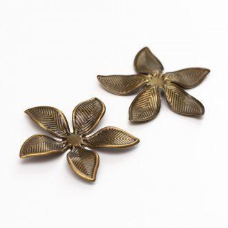 kovovy-bronzovy-kvet-5-lupenovy-velky