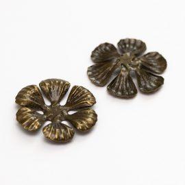kovovy-bronzovy-kvet-6-lupenovy-maly