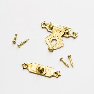zlaty-uzaver-na-krabicu-2